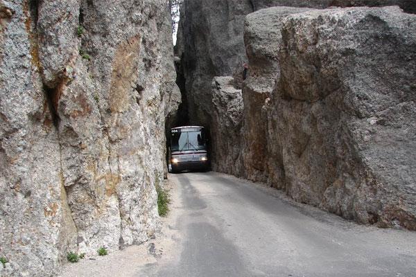 खतरनाक सड़कें